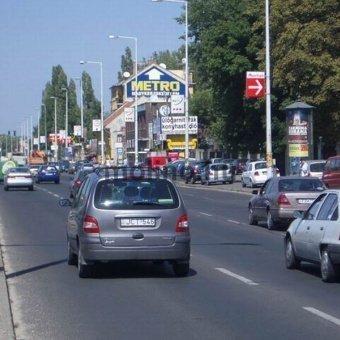 Szentendrei út kivezető Auchan lehajtó előtt
