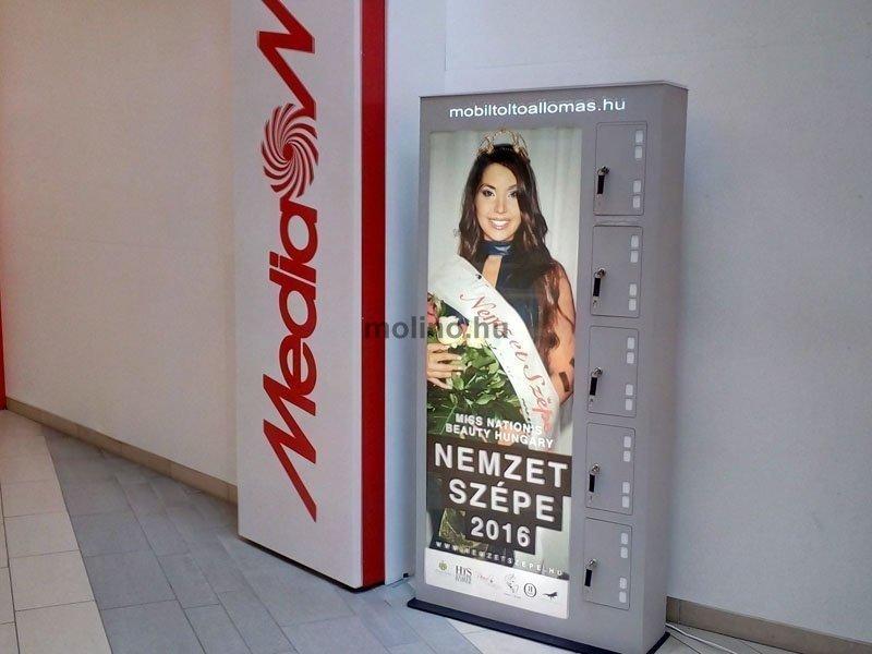 Mobiltöltő állomás Auchan 0012