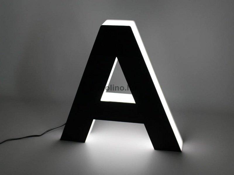 Világító plexi betűdoboz 08