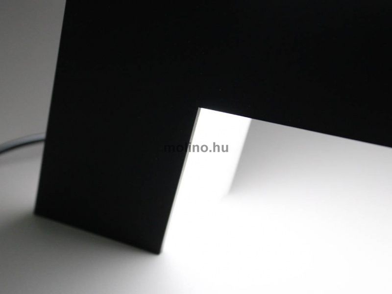 Világító plexi betűdoboz 010