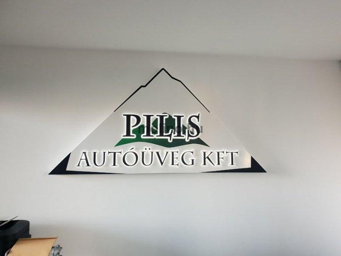 Pilis Autóüveg dekoráció: Pilis Autóüveg 03