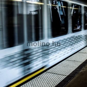 Metrómegálló Padlóreklám 2