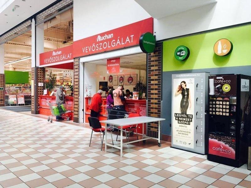 Mobiltöltő állomás Auchan 05