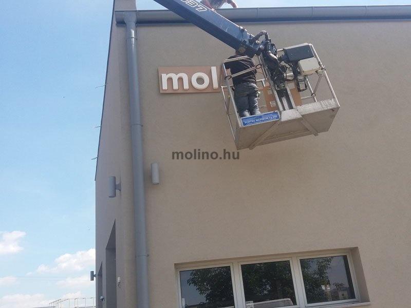 molino habbetű felirat 09