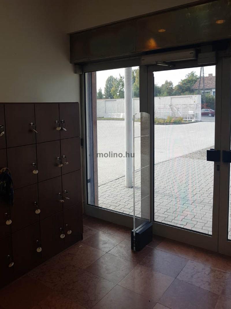 perforált ablakmatrica 008